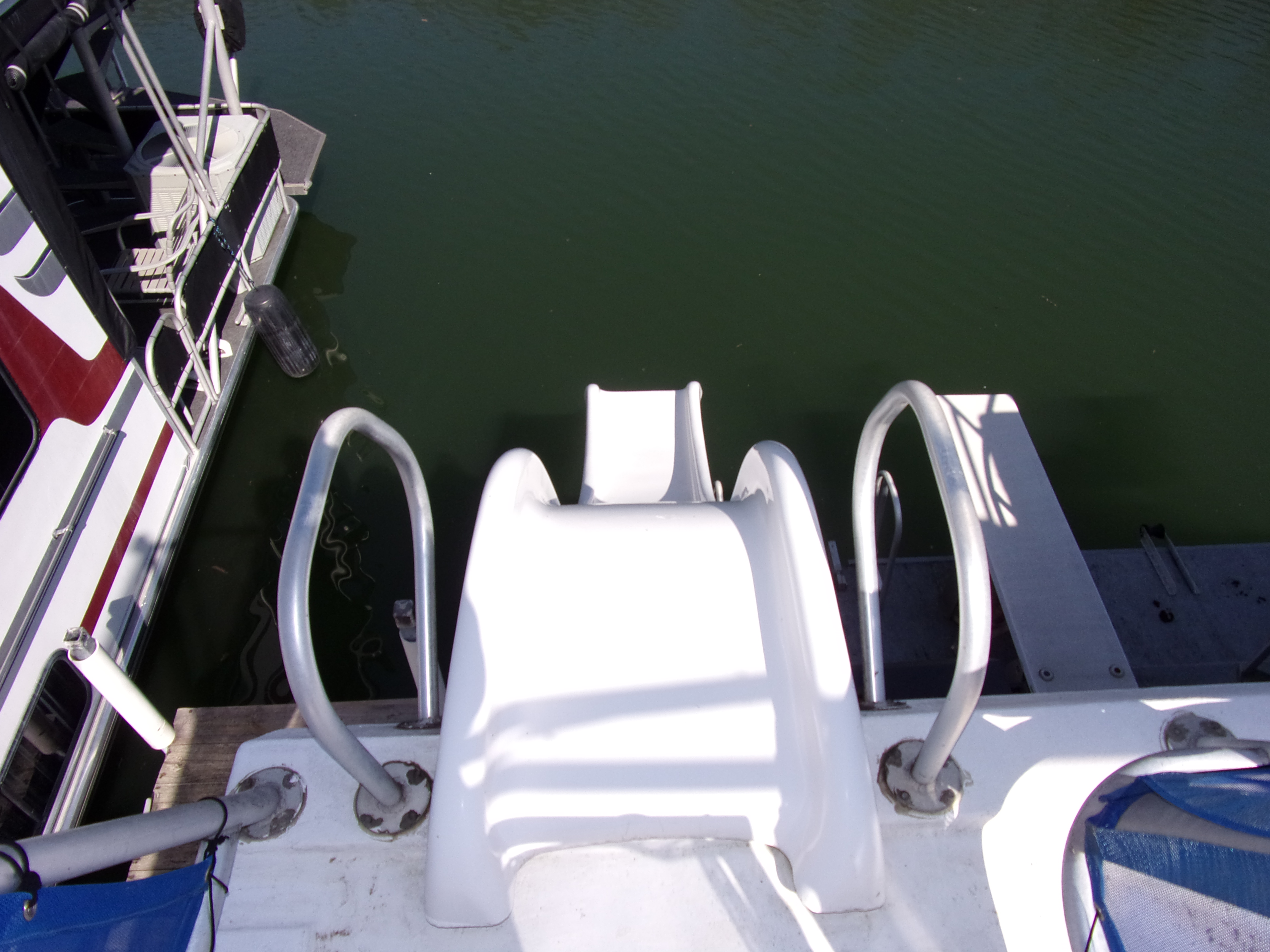 1998 Sunstar 18 X 65 Nautical Notion Price Reduced